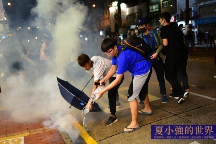 夏小強:香港人抗暴敲響中共的喪鐘