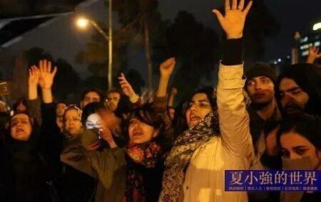 通脹、抗議、下台……哈梅內伊終究難逃覆滅宿命