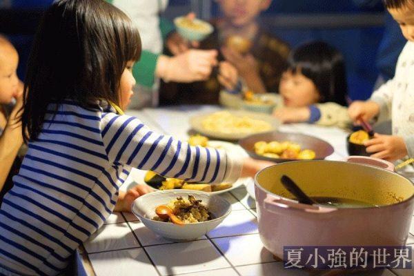 在中國,吃飯有規矩