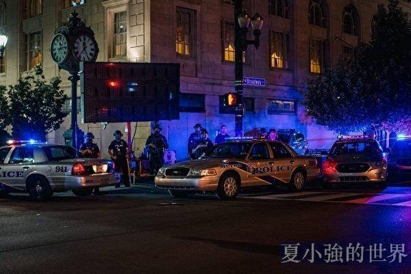 名家專欄:向美國警察開戰不可持續