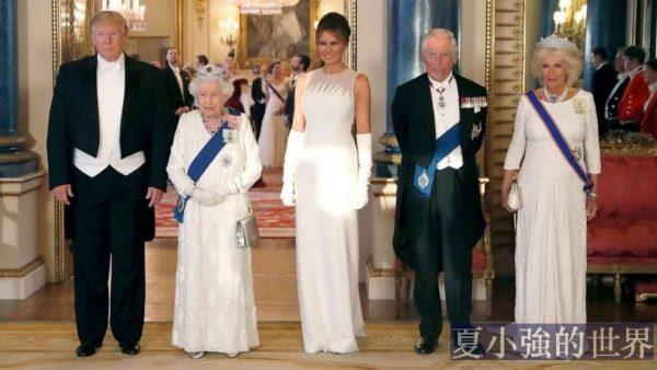 領導人在正式場合,應該穿什麼服裝?
