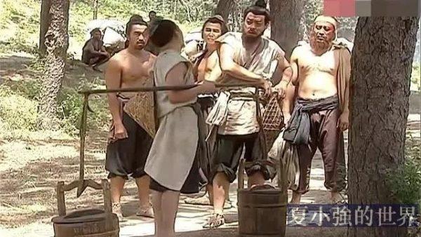 《水滸傳》楊志想解暑為什麼要喝「白酒」?不會越喝越熱嗎?