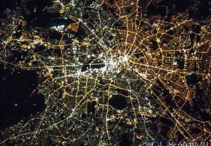 為什麼不同城市的燈光有的偏白,有的偏黃?