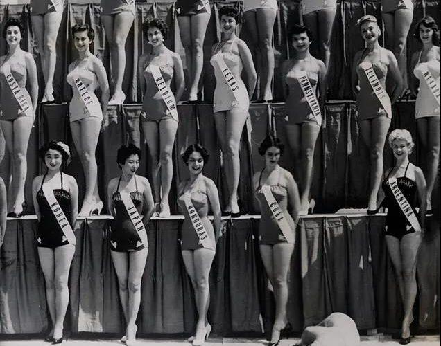 21張老照片,百年前的泳裝、環球小姐、芭蕾演員…