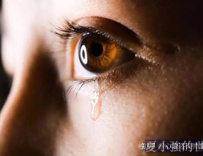 49中事件剛過,湖北女生校內墜亡:是什麼讓孩子抑鬱絕望?