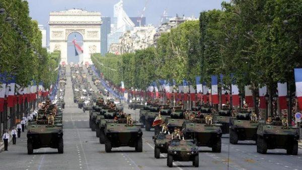 法國退役軍人坐不住了,馬克龍遭遇政變威脅