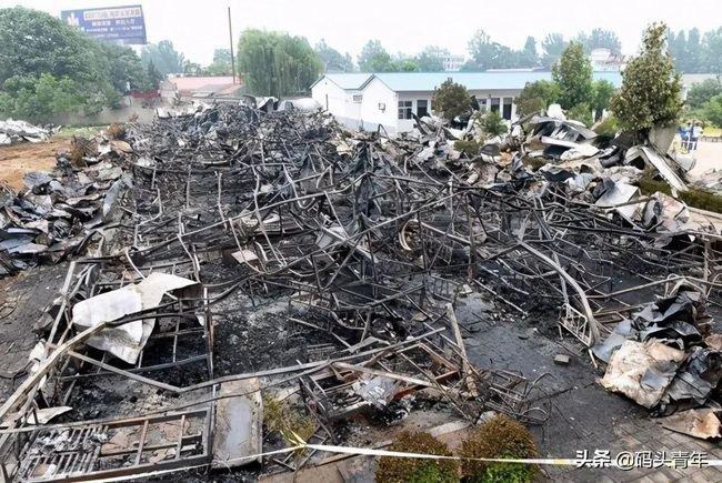 河南武館失火18個孩子遇難,四大門戶網站是如何處理這條新聞的?