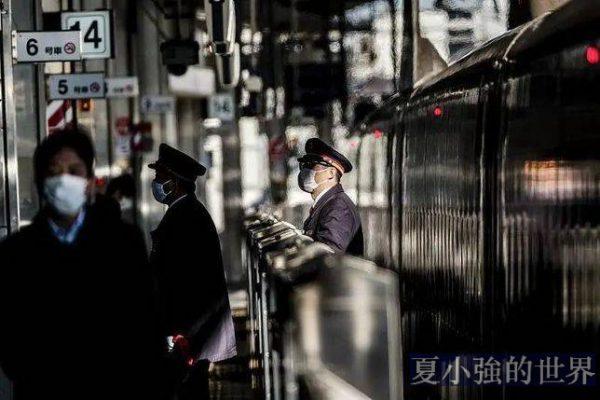 世界最守時列車上,坐著精疲力竭的日本駕駛員