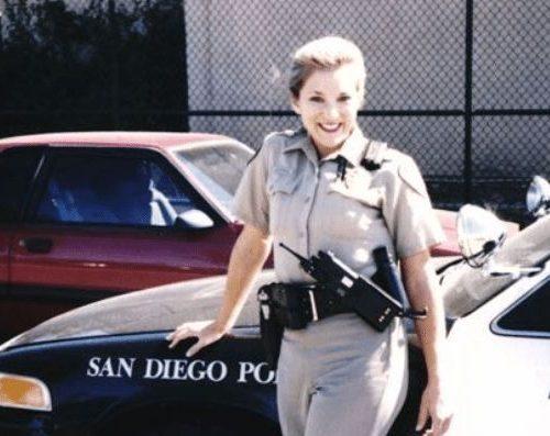 女警假扮成色情技師執法,是按摩界的噩夢!