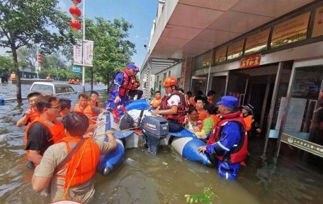 網紅紮堆影嚮救援,災區不是賺人氣的秀場