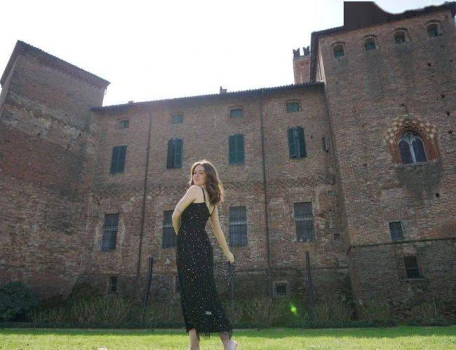 19歲妹子獨居800年歷史古堡,曝光後引100萬人圍觀